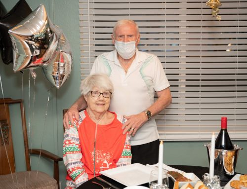 'Surprise!' Silver anniversary dinner delights lovebirds